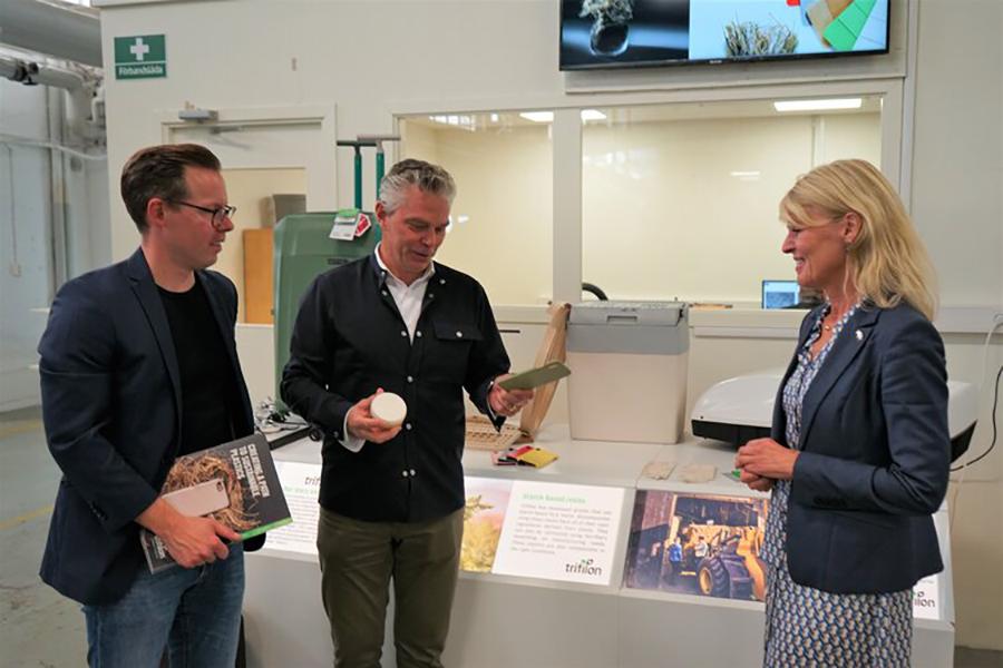 Minister visits plant